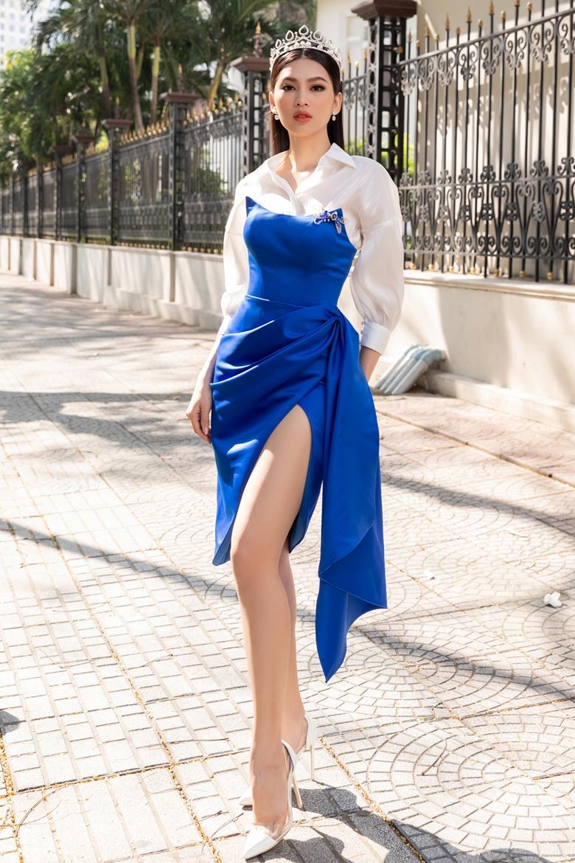 Á hậu Ngọc Thảo chuộng váy áo gợi cảm  - 16