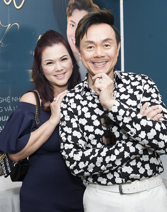 Vợ Chí Tài trong lần cuối về nước thăm chồng, năm 2019.