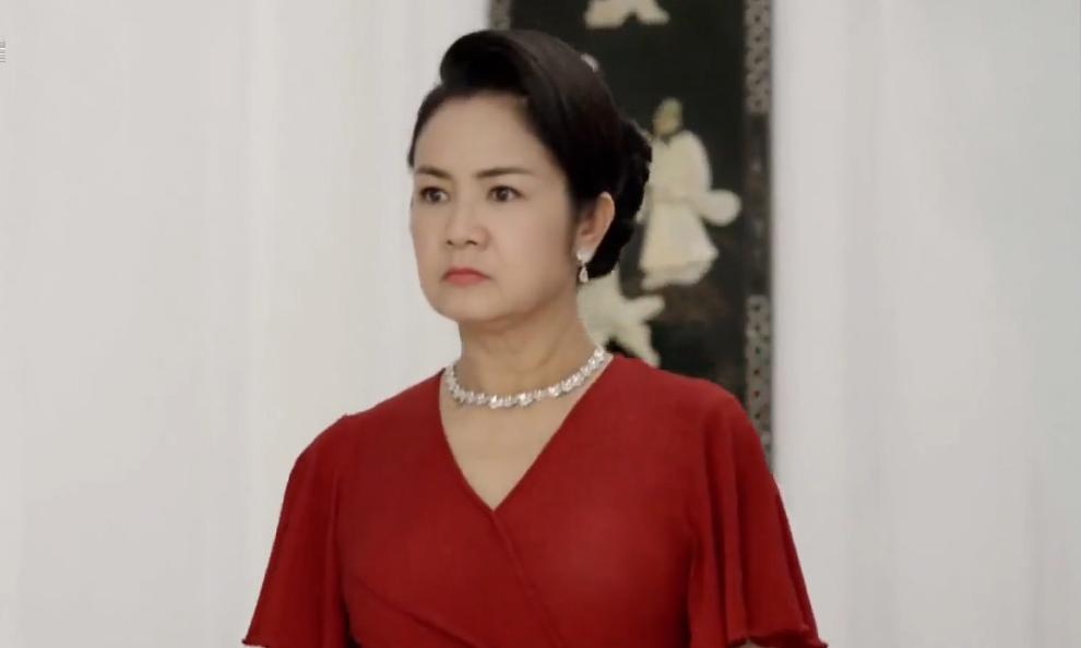 NSND Thu Hà đóng bà Bạch Cúc trong phim. Ảnh: TVAD.