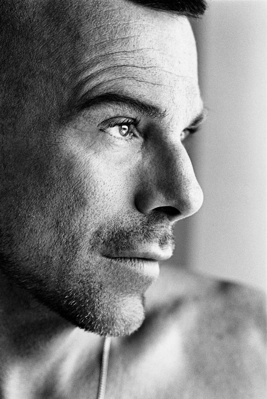 Nhà thiết kế Thierry Mugler thời trẻ. Ảnh: Dominique Issermann.
