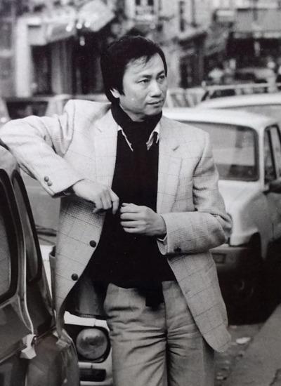 Nhạc sĩ Lam Phương thời gian sống tại Paris. Ảnh tư liệu gia đình.
