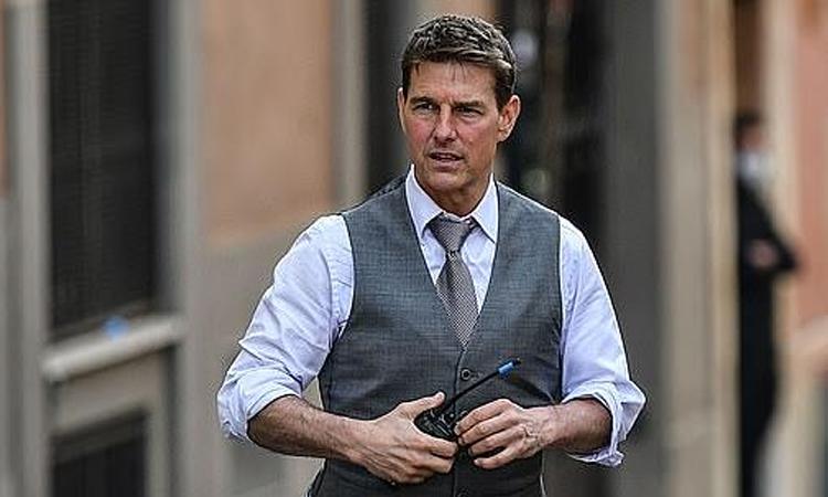 Công đoạn sản xuất Mission: Impossible 7 của Tom Cruise nhiều lần bị đình trệ vì Covid-19. Ảnh: AFP.