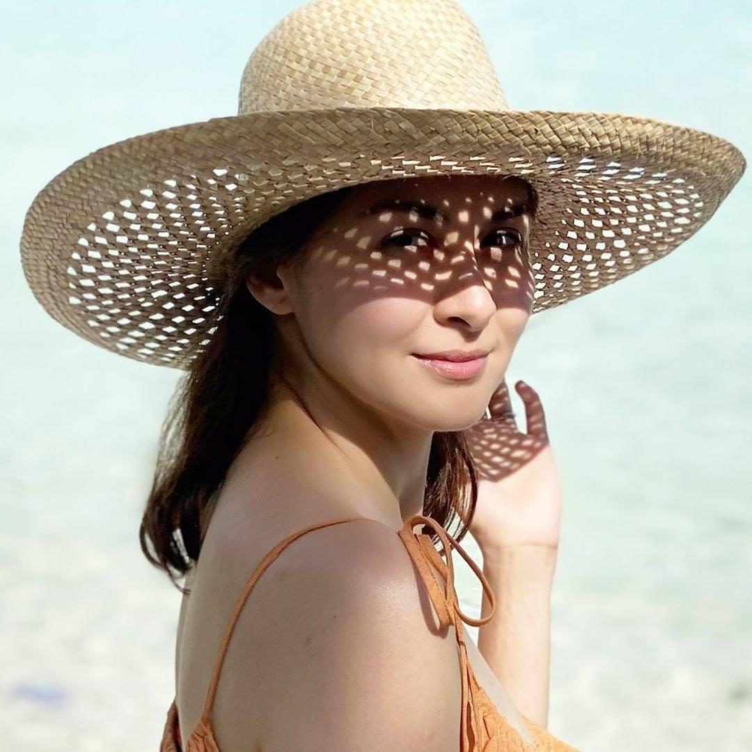 Ngày 29/12, Marian Rivera đăng trên trang cá nhân ảnh đi chơi ở biển.