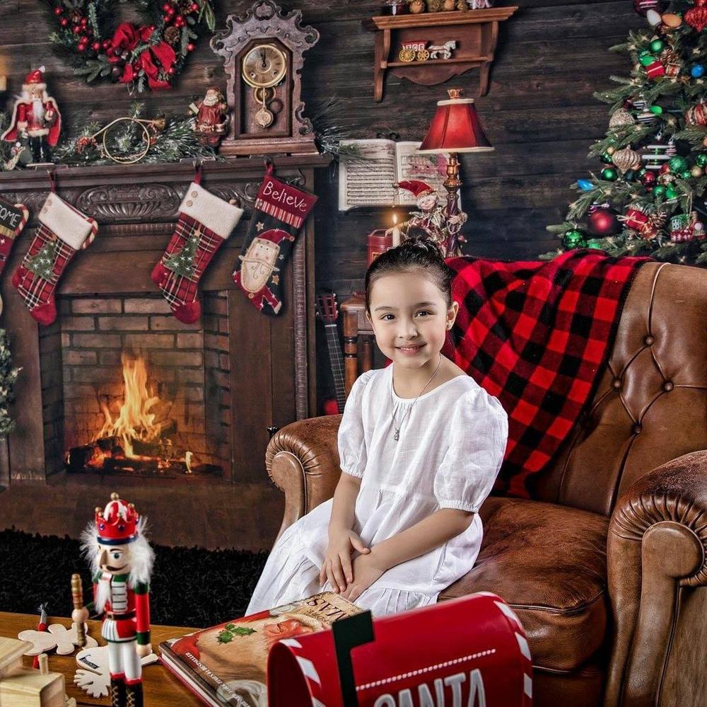Zia học mầm non, thường đóng quảng cáo cùng cha mẹ, là sao nhí nổi bật hàng đầu Philippines.