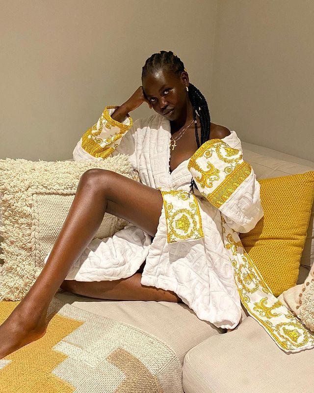 Người mẫu Adut Akech