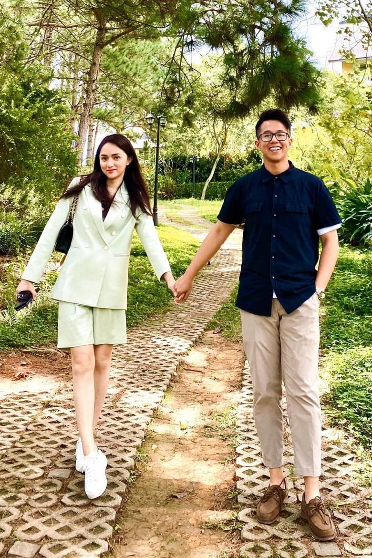 Bức ảnh cả hai hẹn hò ở Đà Lạt cùng hội bạn thân