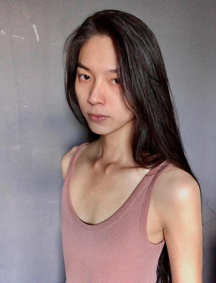 Năm 2017, Mộng Thường lên TP HCM hoạt động người mẫu. Lúc này, cô bắt đầu nhận ra xu hướng giới tính thật của bản thân. Cô theo đuổi phong cách unisex (phi giới tính) bằng cách để tóc dài, chăm sóc nhan sắc, hình thể và ăn mặc. Ảnh: Nhân vật cung cấp.