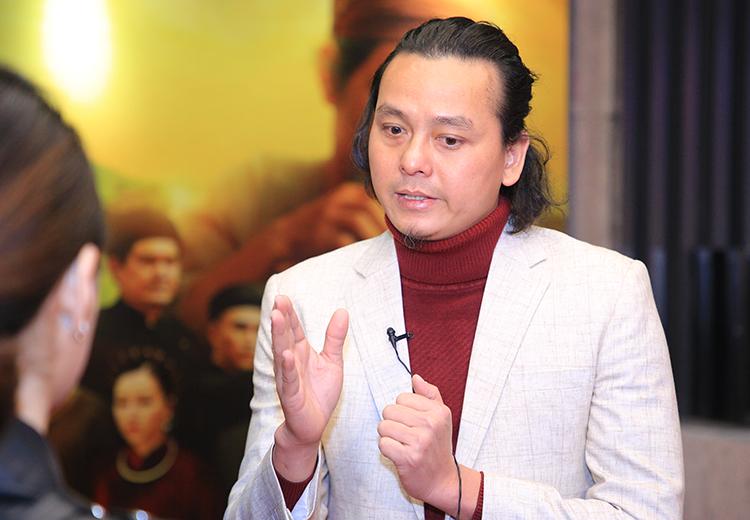 Đạo diễn Vũ Thủy tại buổi ra mắt phim tối 5/1 ở Hà Nội. Ảnh: Thanh Huyền.