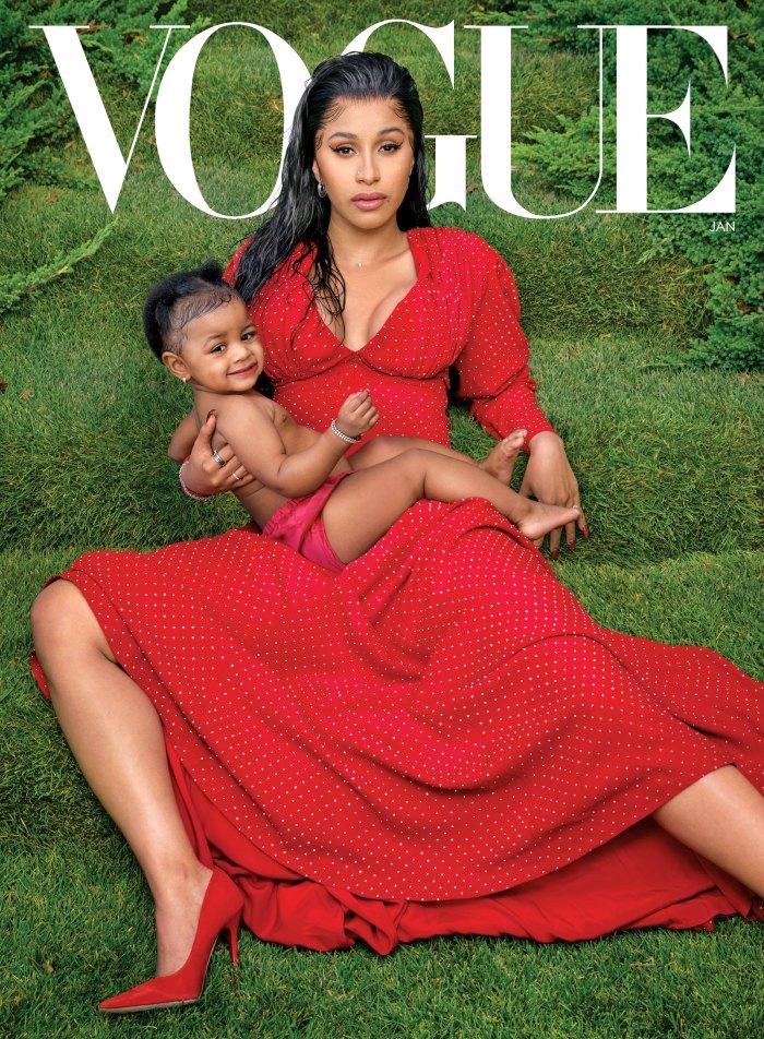 Kulture Kiari Cephus sinh năm 2018 ở Atlanta, là con gái của hai rapper Cardi B và Offset. Cũng giống những đứa trẻ khác ở các gia đình người nổi tiếng, cô bé được mẹ cưng chiều, sắm sửa đồ hiệu. Hai mẹ con thường mặc đồ giống nhau hoặc cùng tông. Trong ảnh, họ mặc đồ màu đỏ khi lên bìa Vogue số tháng 1/2020.