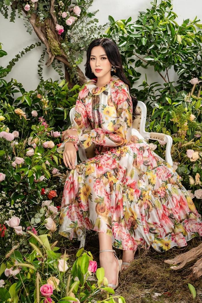 Đỗ Thị Hà cũng đắt show làm người mẫu ảnh cho các nhà thiết kế, thương hiệu lớn.