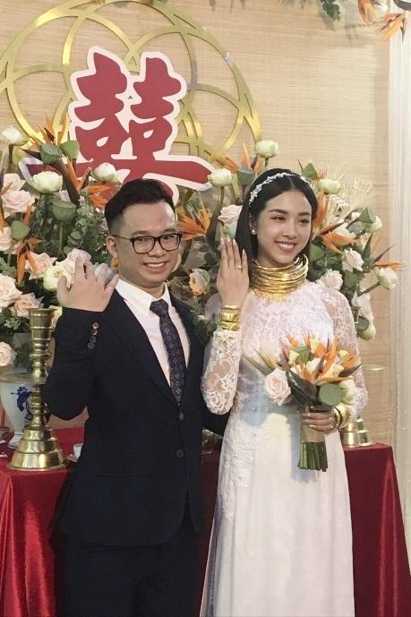 Thúy An và chồng trong lễ vu quy.