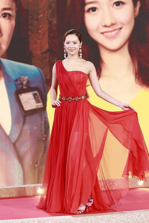 Phùng Doanh Doanh - Hoa hậu Hong Kong 2016.