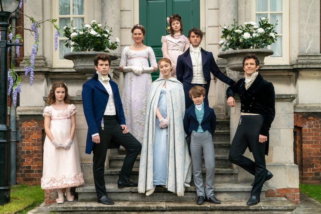 Nhà Bridgertons luôn mặc màu pastel. Ảnh:
