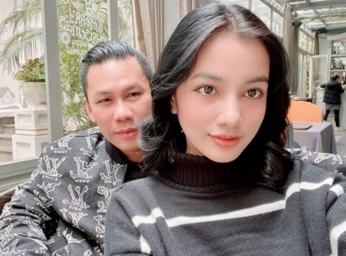 Cẩm Đan và doanh nhân Đức Huy - chồng cũ Lệ Quyên - đi cà phê cùng nhau. Ảnh:Instagram Đức Huy.