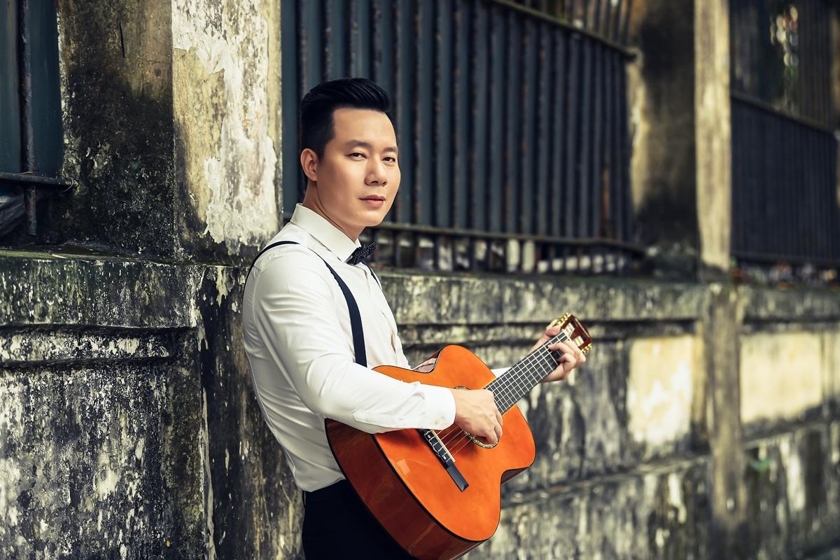 Ca sĩ Xuân Hảo được đánh giá cao với tông giọng trầm. Ảnh: Tô Thanh Tân.
