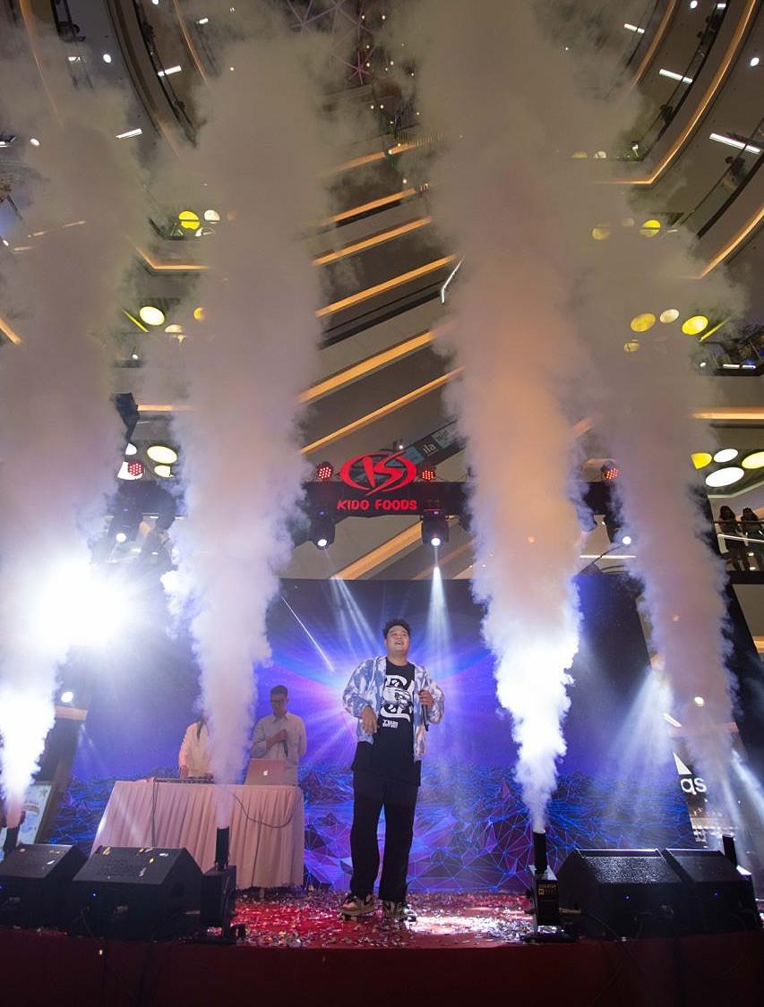 Rapper Gonzo và Yuno Bigboy mang hơi thở Rap Việt vào không gian của lễ hội, tạo nên bữa tiệc âm nhạc đặc sắc.