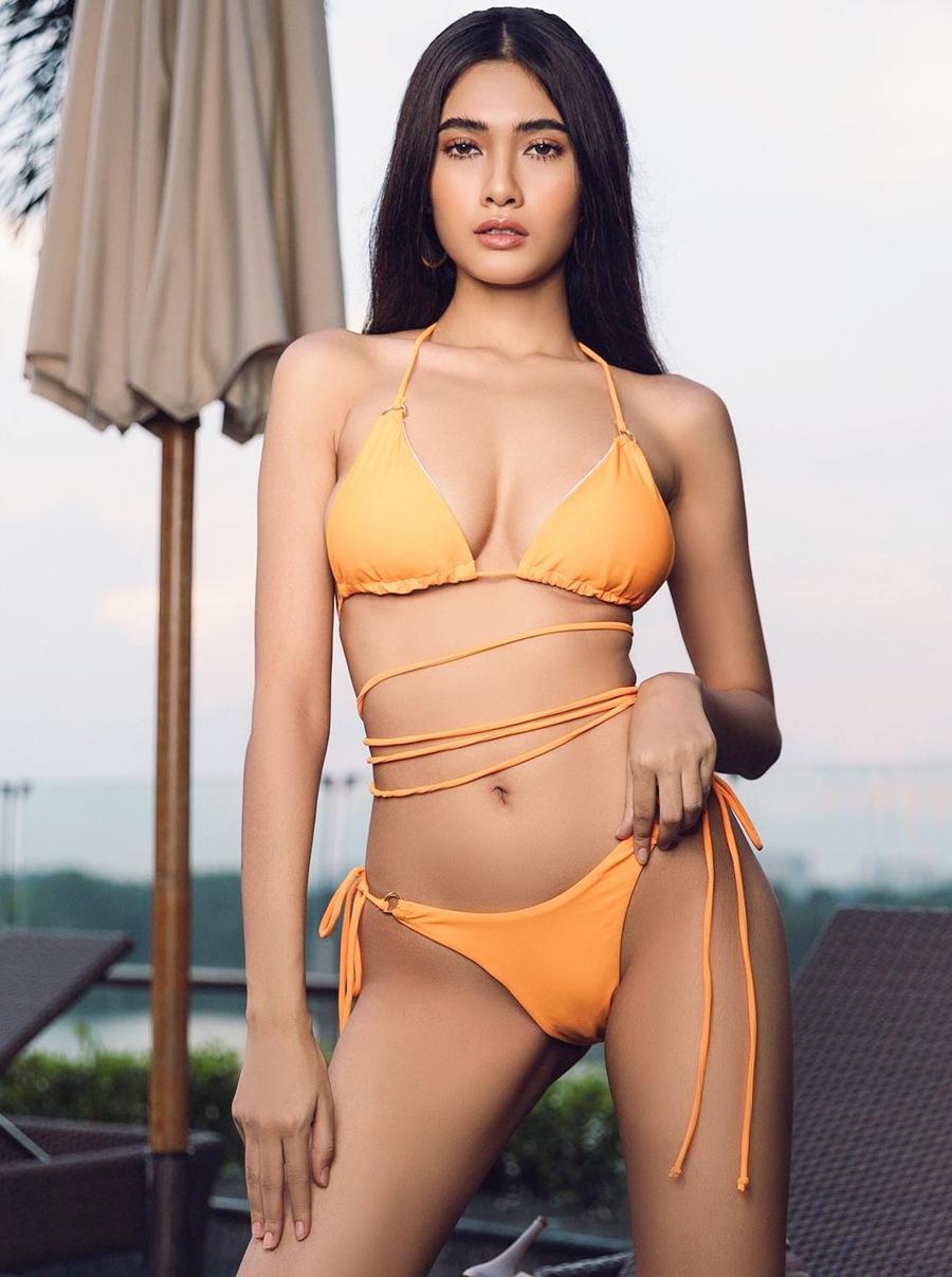 Tân Hoa hậu trong trang phục bikini.