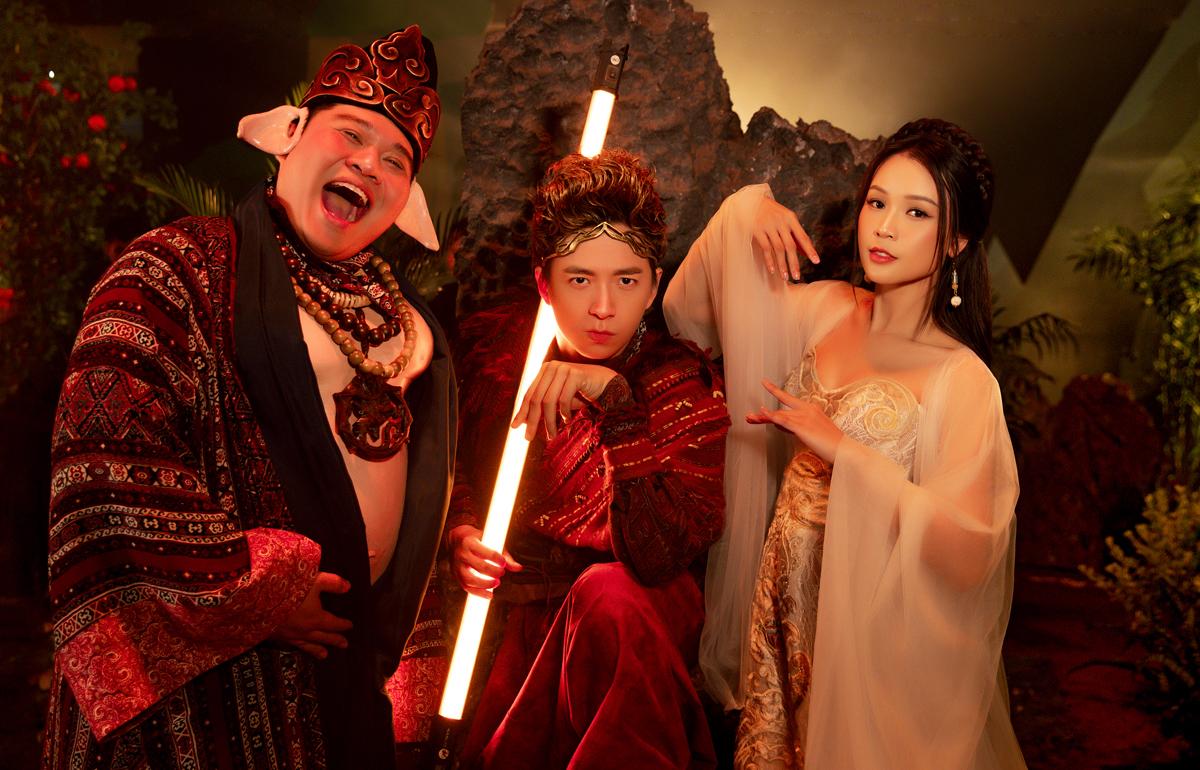 Từ trái sang: rapper Yuno Bigboi, ca sĩ Ngô Kiến Huy, diễn viên Sam. Ảnh: