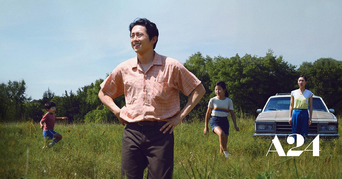 Trái với những thể loại phim tâm lý - giật gân mà Steven Yeun từng đóng, Minari là bộ phim tràn ngập sự ấm áp của tình người. Ảnh: A24.