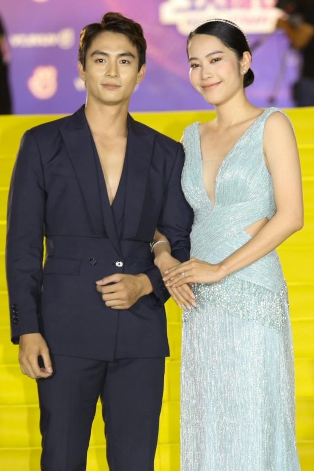 Both are praised beautiful couple.  Photo: KJM.