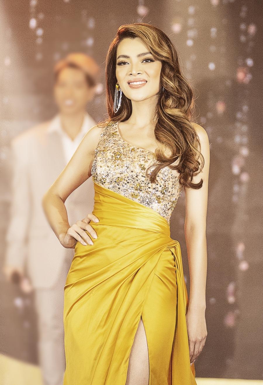 Trân Đài được giám khảo đánh giá cao ở thần thái khi trình diễn nhưng trang phục chưa tôn được làn da.Cô cao 1,71 m, số đo 90-62-91 cm, được nhận xét giống Hoa hậu Hoàn vũ 2017 Demi-Leigh Nel-Peters. Trước đó, cô chiến thắng ở phần thi tài năng.
