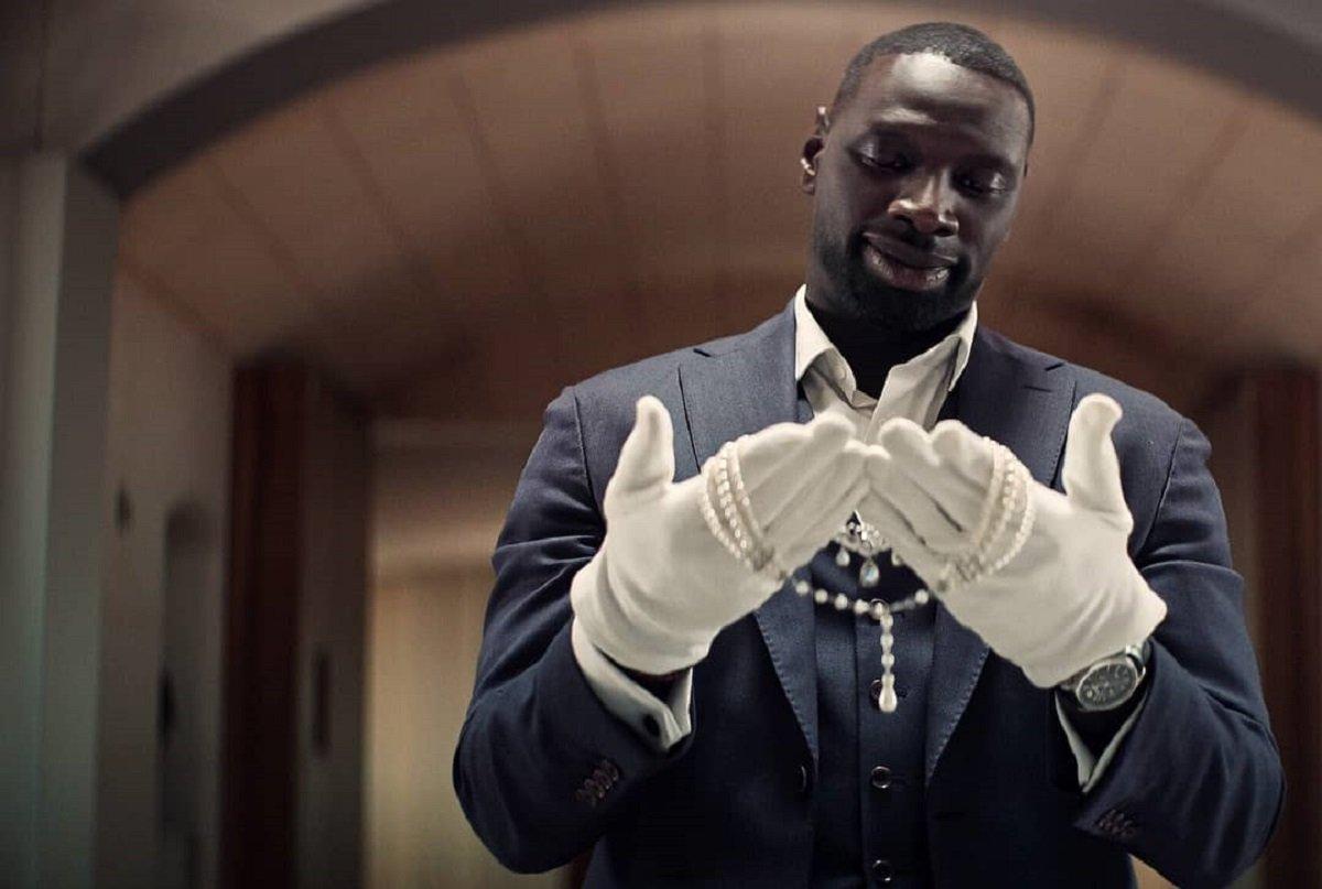 Phim tập trung vào nhiều thân phận khác nhau của Assane, từ đó mang đến hứng thú cho khán giả. Ảnh: Netflix.
