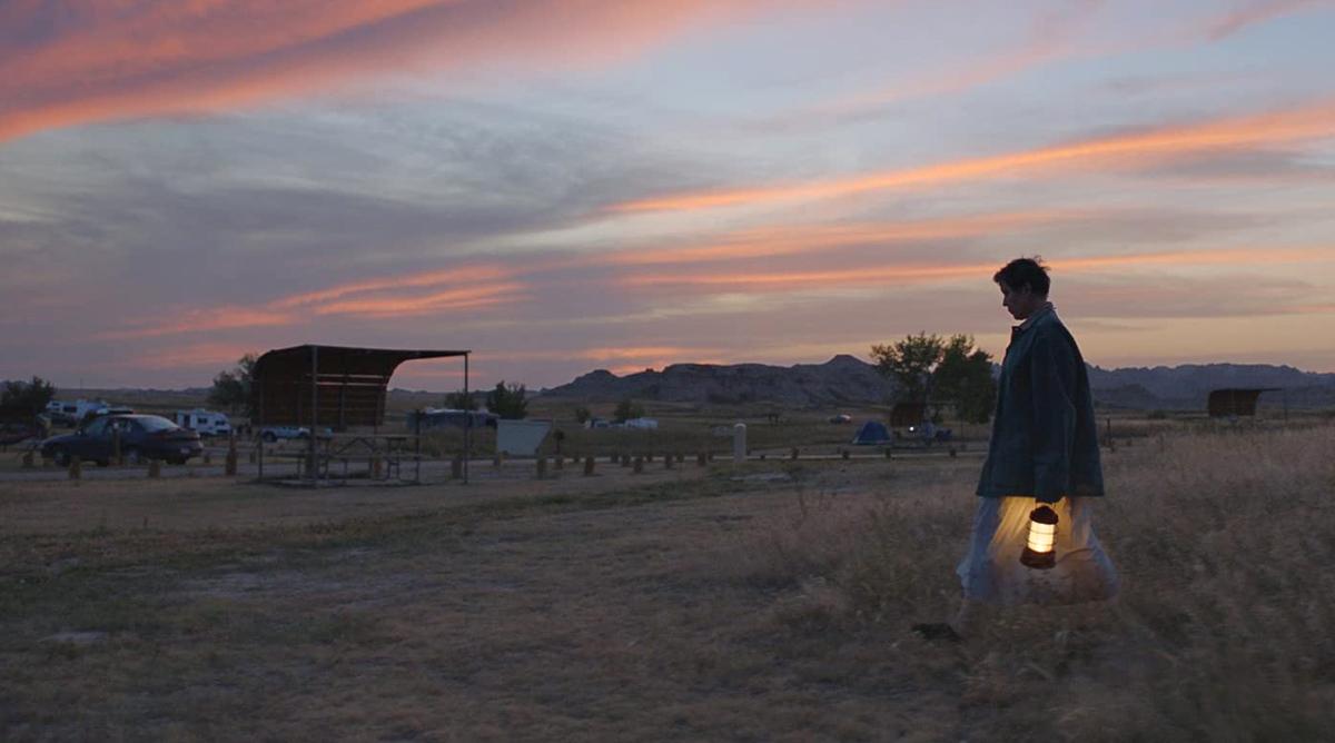 Trong Nomadland, các nhà làm phim chủ yếu sử dụng ánh sáng tự nhiên để ghi hình.