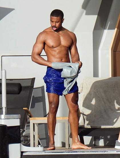 Michael B. Jordan nổi tiếng với làn da bánh mật và thân hình lực lưỡng. Anh cho biết chăm chỉ tập thể hình khoảng bốn đến năm buổi mỗi tuần. Nhờ vóc dáng, tài tử thường được chọn vào các vai nam tính, giàu sức mạnh.
