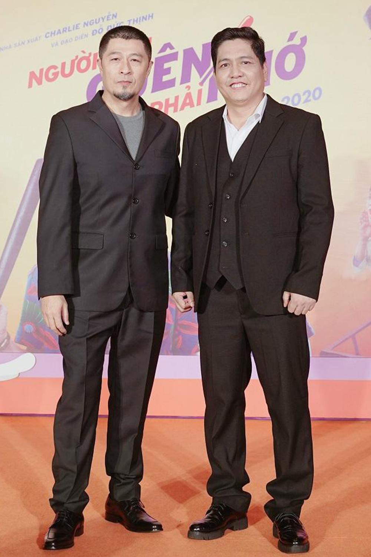 Charlie Nguyễn (trái) và đạo diễn Đức Thịnh chấp nhận thất bại với bộ phim họ hợp tác - Người cần quên phải nhớ. Ảnh: Lotte.