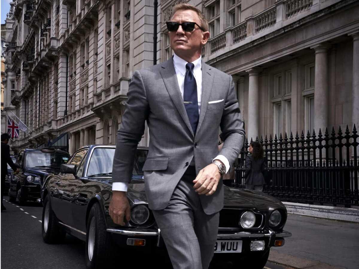 Daniel Craig trong vai James Bond, trong No Time to Die. Ảnh: Variety.