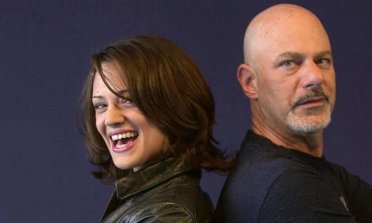Asia Argento (trái) và đạo diễn Rob Cohen trên phim trường xXx. Ảnh: AFP.