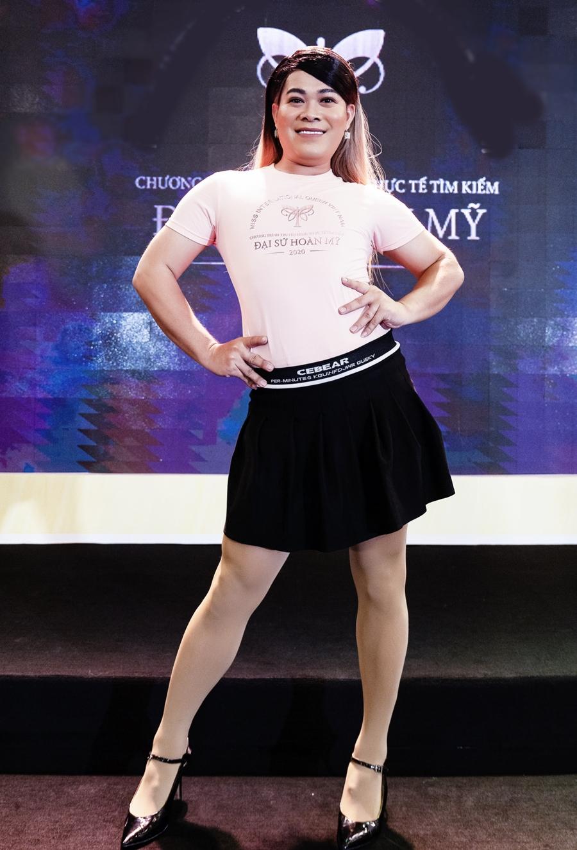 Trong suốt cuộc thi, Vũ Thu Phương ghi điểm ở tài năng, sự vui tươi, giàu năng lượng. Cô còn thường khích lệ tinh thần các thí sinh trong đội, giúp họ thể hiện tốt ở mỗi thử thách. Ảnh: Đại sứ hoàn mỹ team.