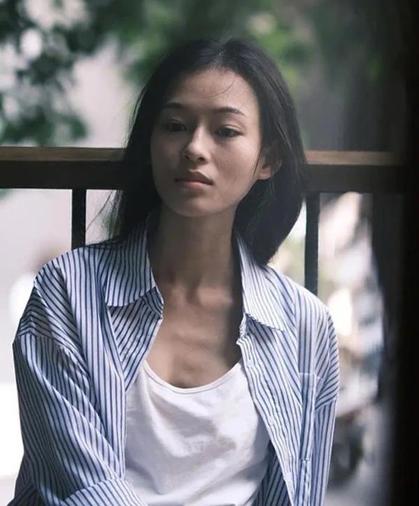 Ngày 26/1, nhiều  báo Trung Quốc như Ifeng, Sina, Southern Metropolis Daily... đăng loạt ảnh Minh Hà, nhận xét cô giống minh tinh Chương Tử Di. Trang Ifeng nhận xét Minh Hà có gương mặt biết kể chuyện, đậm chất điện ảnh.