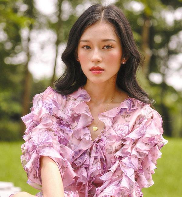 Minh Hà cho biết bất ngờ khi được khán giả chú ý. Những ngày qua, cô ngạc nhiên khi lượng người theo dõi Instagram của cô tăng đột biến. Một số khán giả Trung Quốc bình luận về các bức ảnh của cô.