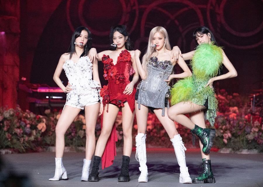 Từ trái sang: Jisoo, Jennie, Rose, Lisa trên sân khấu The Show. Ảnh: Blackpink.