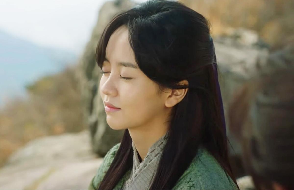 Tạo hình cổ trang của Kim So Hyun - 15