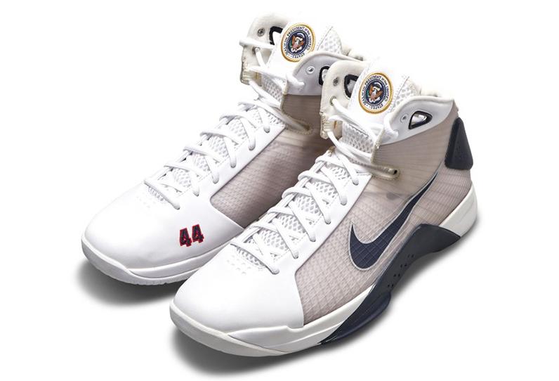 Giày Nike Hyperdunk của Obama. Ảnh: Nike.