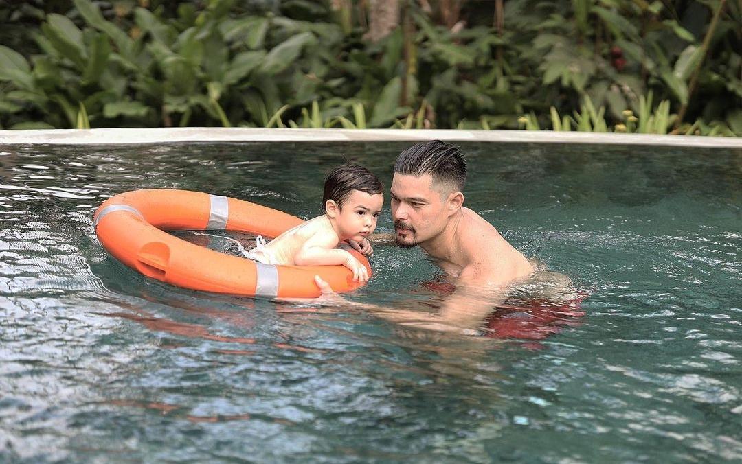 Gia đình Mỹ nhân đẹp nhất Philippines nghỉ dưỡng đầu năm - 6
