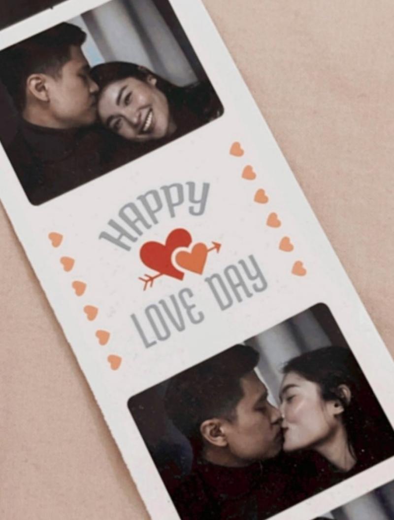 Á hậu Thùy Dung và bạn trai cũng đón Valentine xa cách do dịch. Cô sống ở TP HCM, trong khi anh về quê ở miền Bắc ăn Tết cùng bố mẹ. Người đẹp cho biết cô nhớ và mong sớm được gặp bạn trai.