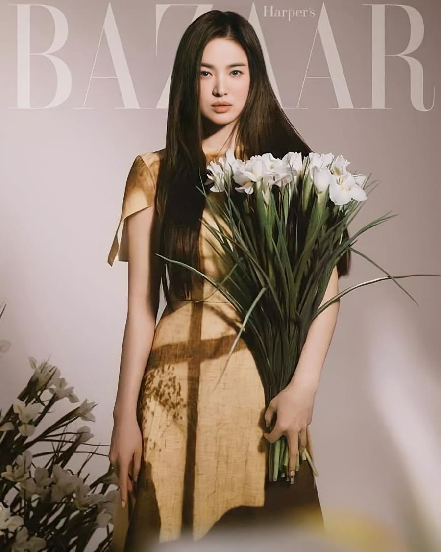 Harpers Bazaar đánh giá diễn viên rắn rỏi, mạnh mẽ như một bông hoa dại, vẫn tỏa sáng dù gặp nhiều sóng gió. Tạp chí cũng ví diễn viên như môt tay đua cừ khôi, băng về đích dù con đường nhiều khúc cua hay sỏi đá.