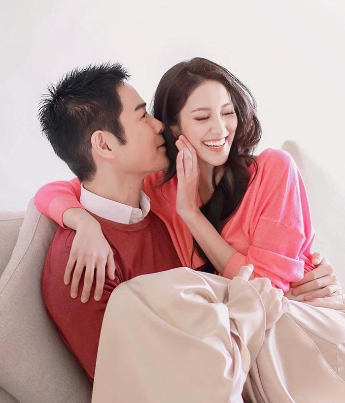 Sau khi kết hôn năm 2018, Gia Dĩnh tiếp tục đóng phim còn Trần Khải Lâm chủ yếu chăm lo gia đình, thi thoảng chụp ảnh quảng cáo.