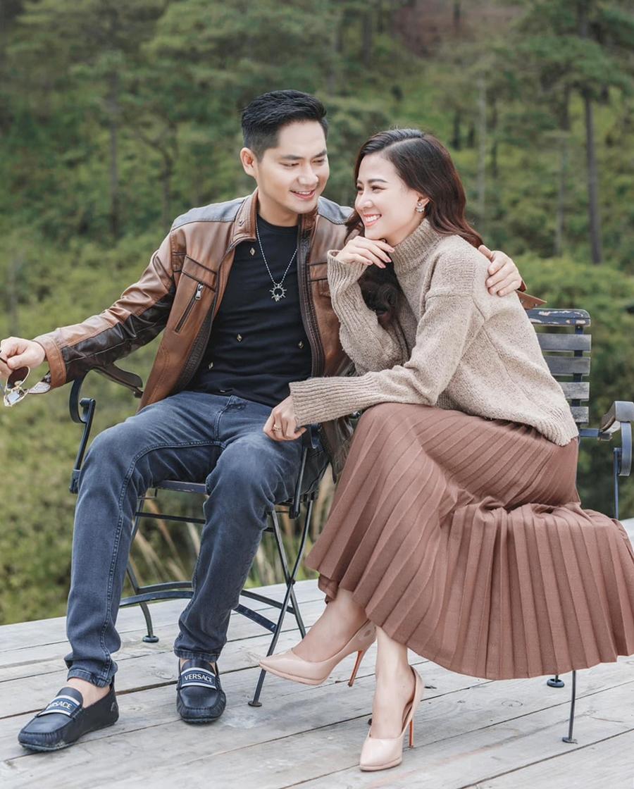 Khoảnh khắc tình tứ của Minh Luân bên bạn gái. Ảnh: Facebook Minh Luân.,