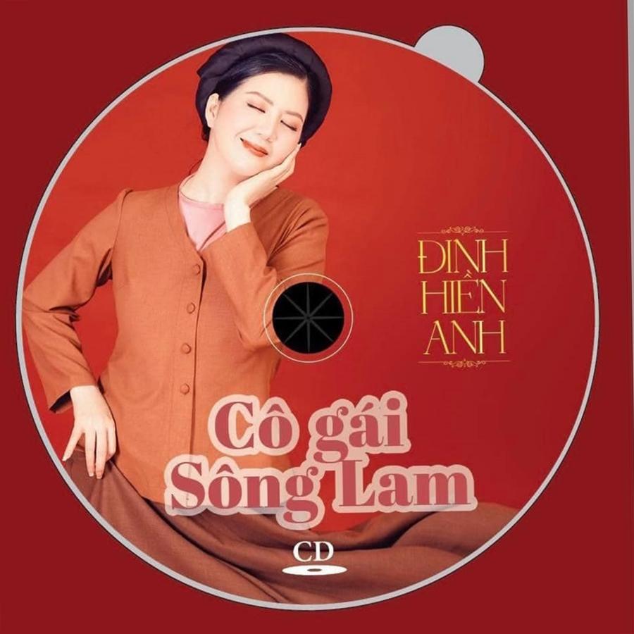 Bìa CD Cô gái sông Lam của Đinh Hiền Anh. Ảnh: Êkíp Đinh Hiền Anh.