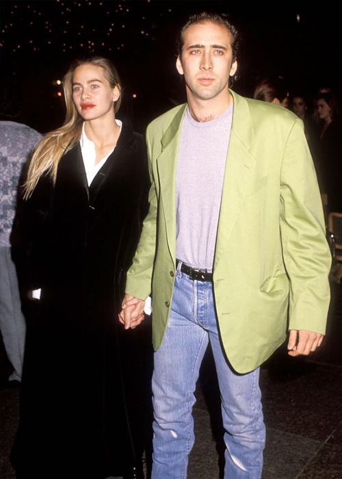 Cage hẹn hò minh tinh Christina Fulton từ năm 1988 đến 1991.