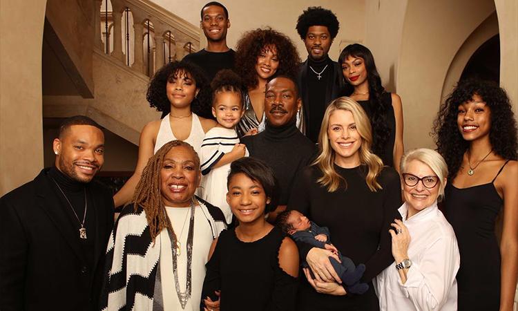 Eddie Murphy chụp ảnh cùng đại gia đình năm 2018. Ảnh: Bria Murphy Instagram.