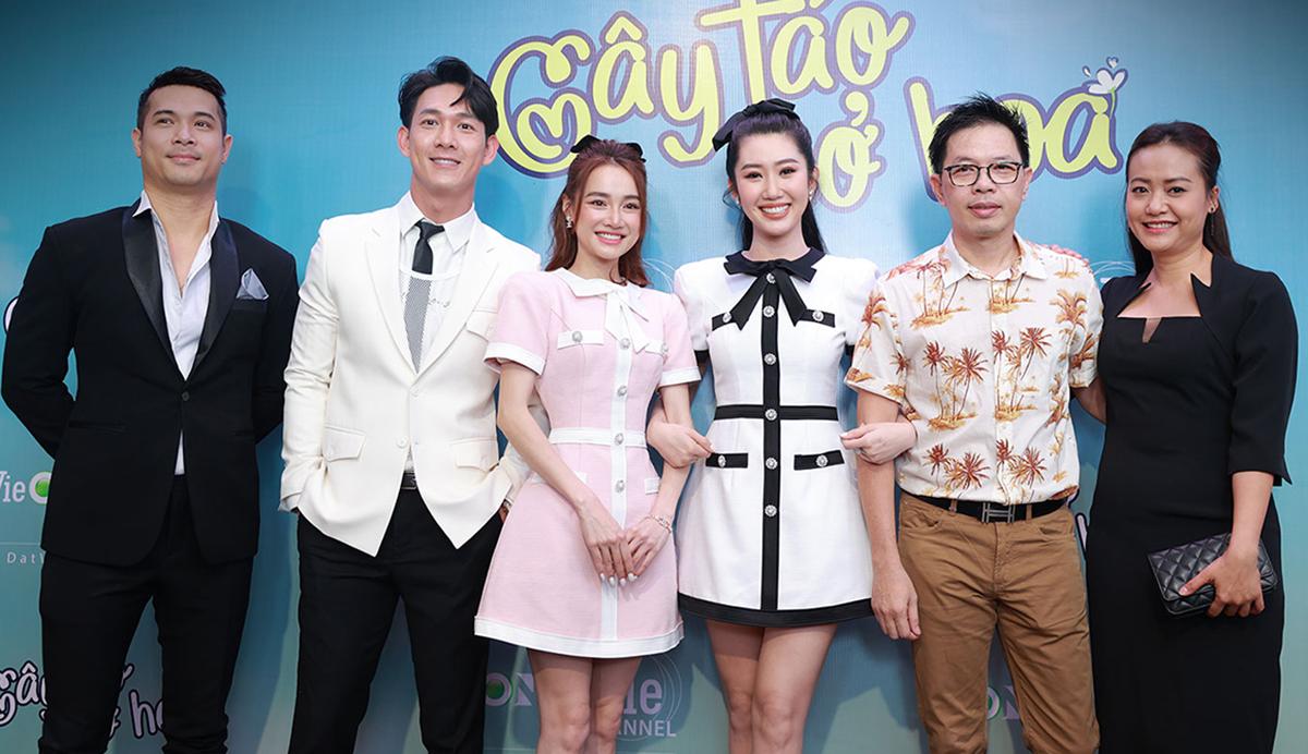 Từ trái sang: diễn viên Trương Thế Vinh, Song Luân, Nhã Phương, Thúy Ngân, Thái Hòa, Hồng Ánh. Ảnh: VieChannel.