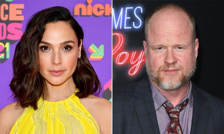 Gal Gadot (trái) và Joss Whedon từng hợp tác trong phim Justice League (2017). Ảnh: People.