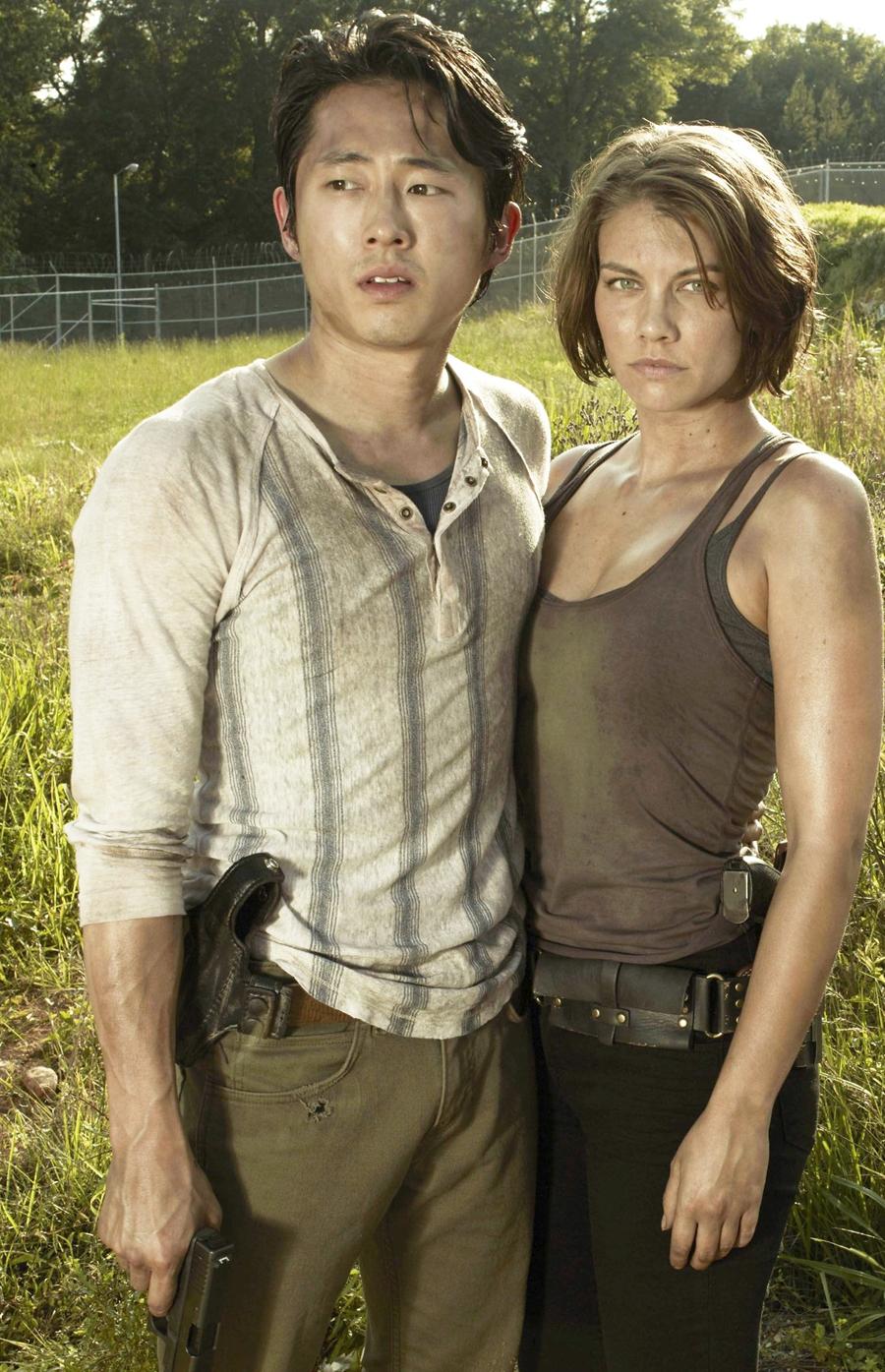Tạo hình của Steven Yeun và bạn diễn Lauren Cohan (vai Maggie Greene) trong phim xác sống The Walking Dead. Ảnh: AMC.
