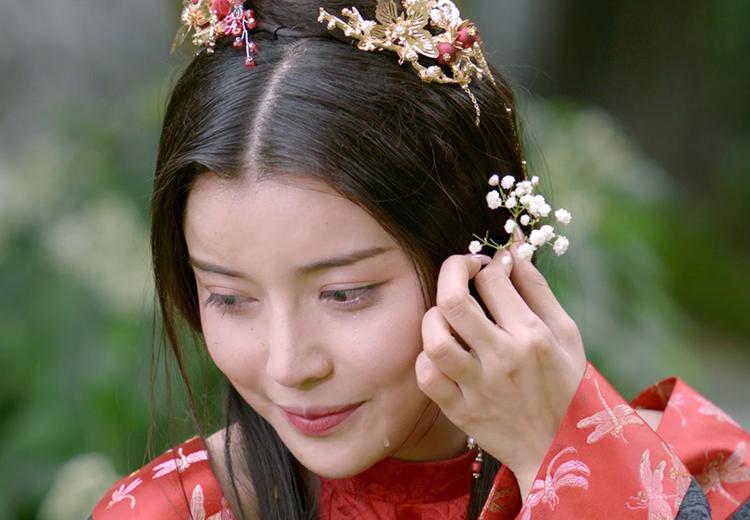 Cao Thái Hà diễn vai Hoạn Thư