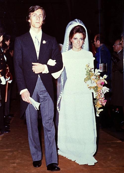 Ông trùm thời trang Maurizio Gucci (trái) và Patrizia Reggiani trong đám cưới năm 1973. Ảnh: Backgrid.